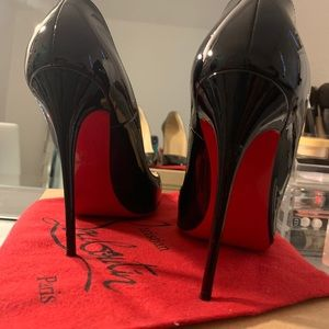 Christian Louboutin Shoes - Christian Louboutin So Kate Patent Leather Pump 38